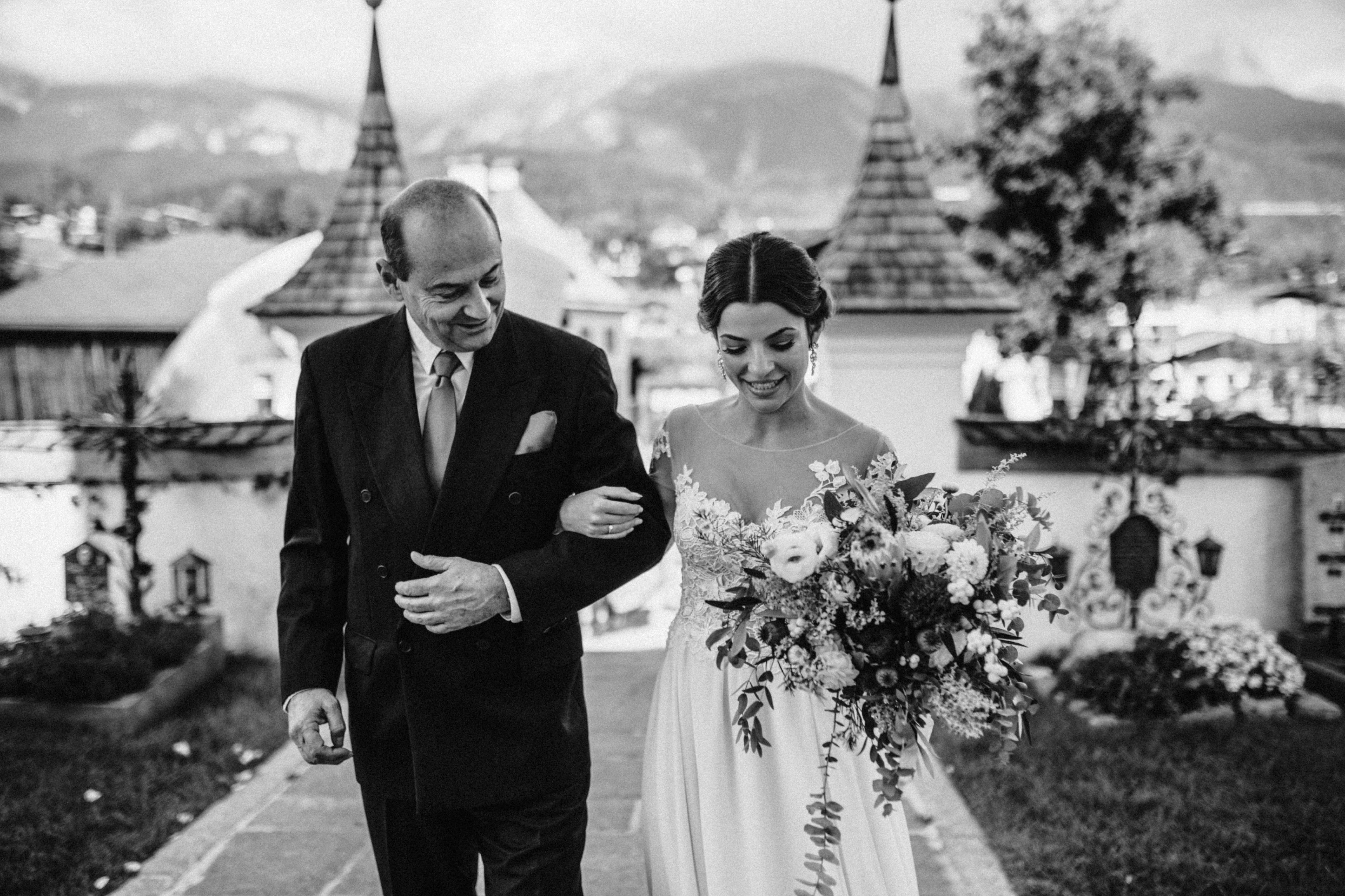 brautvater einzug Sonja Pöhlmann Photography Wedding München Bayern