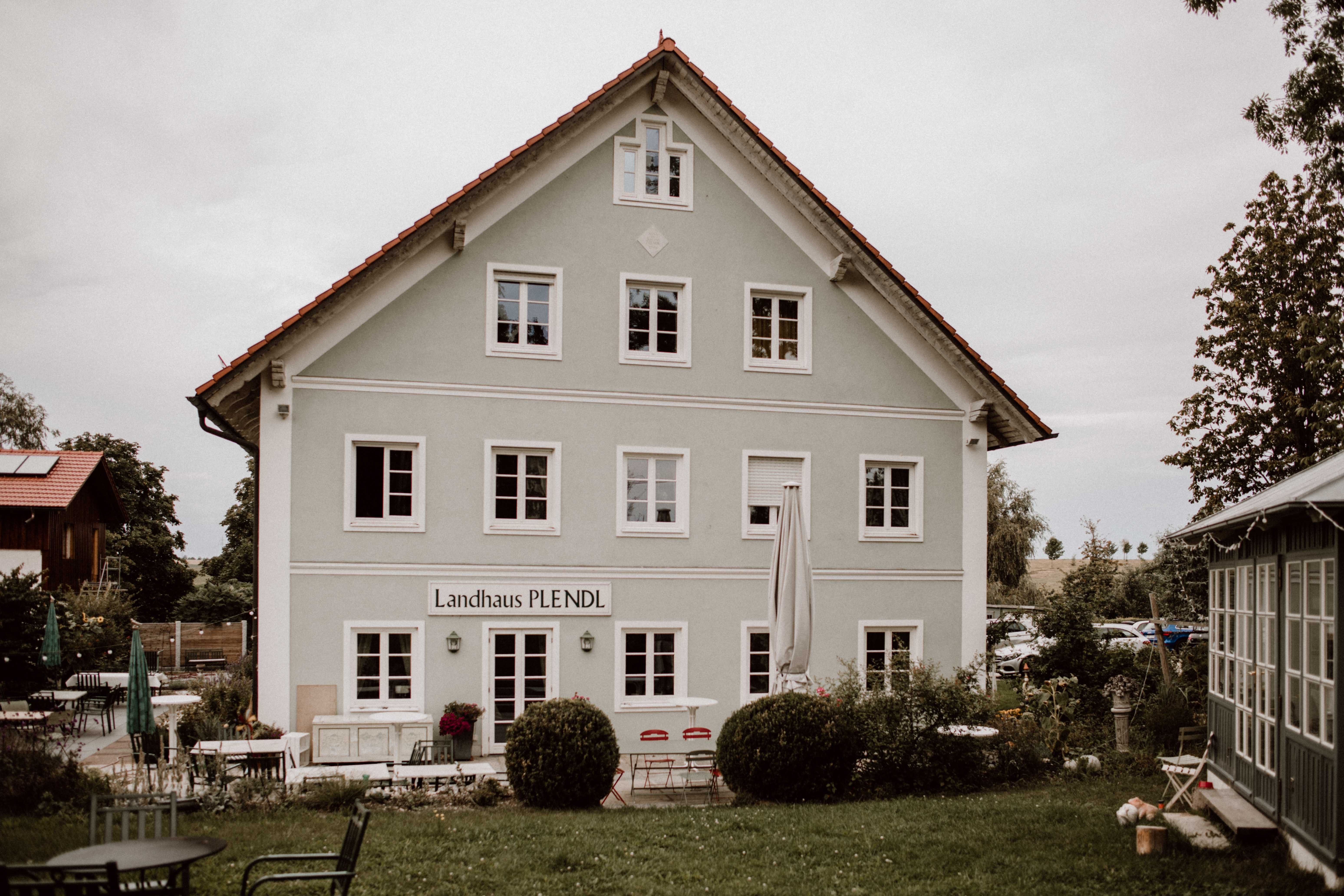 location landhaus sonja poehlmann photography couples muenchen bayern