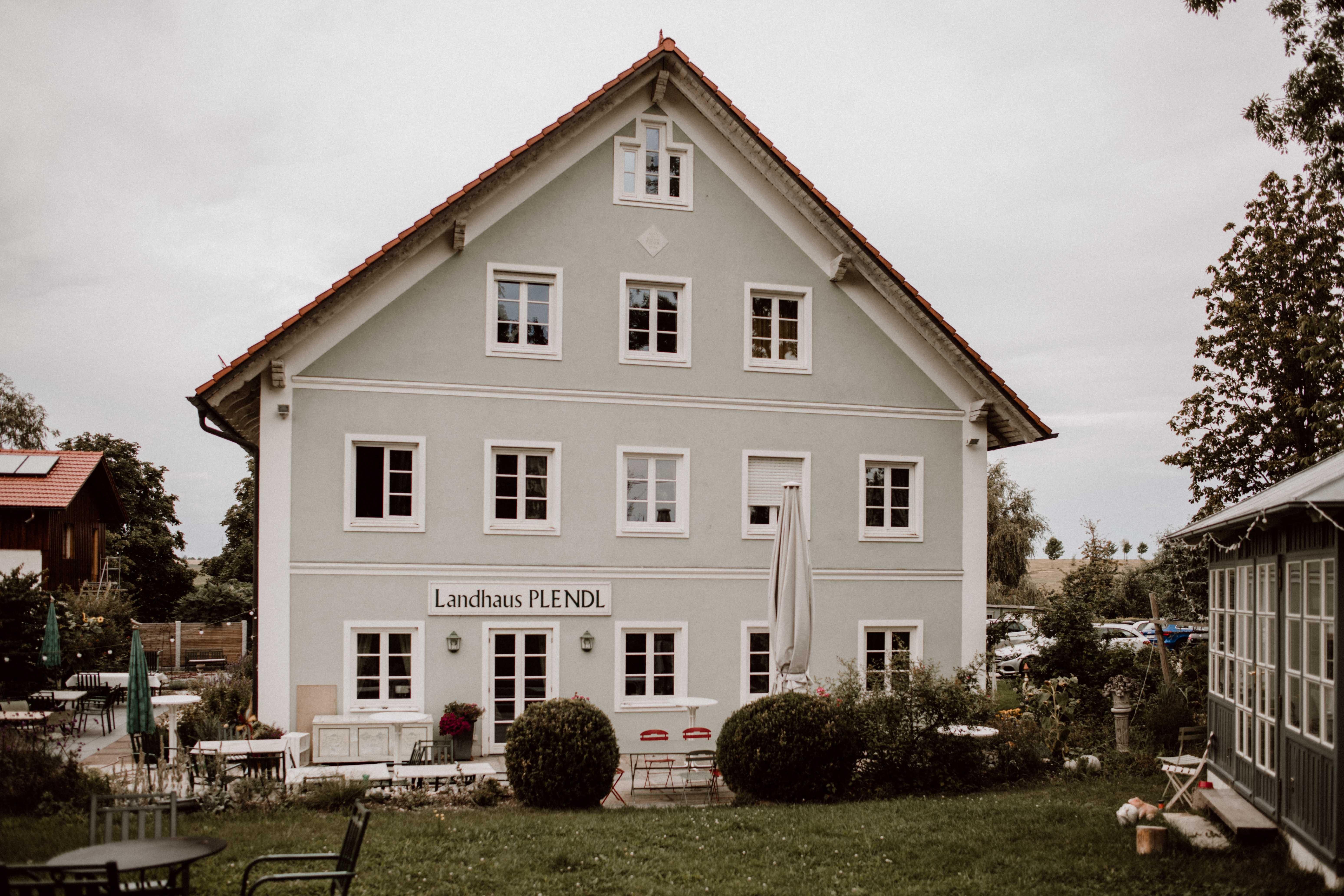 location landhaus sonja poehlmann photography couples muenchen bayern