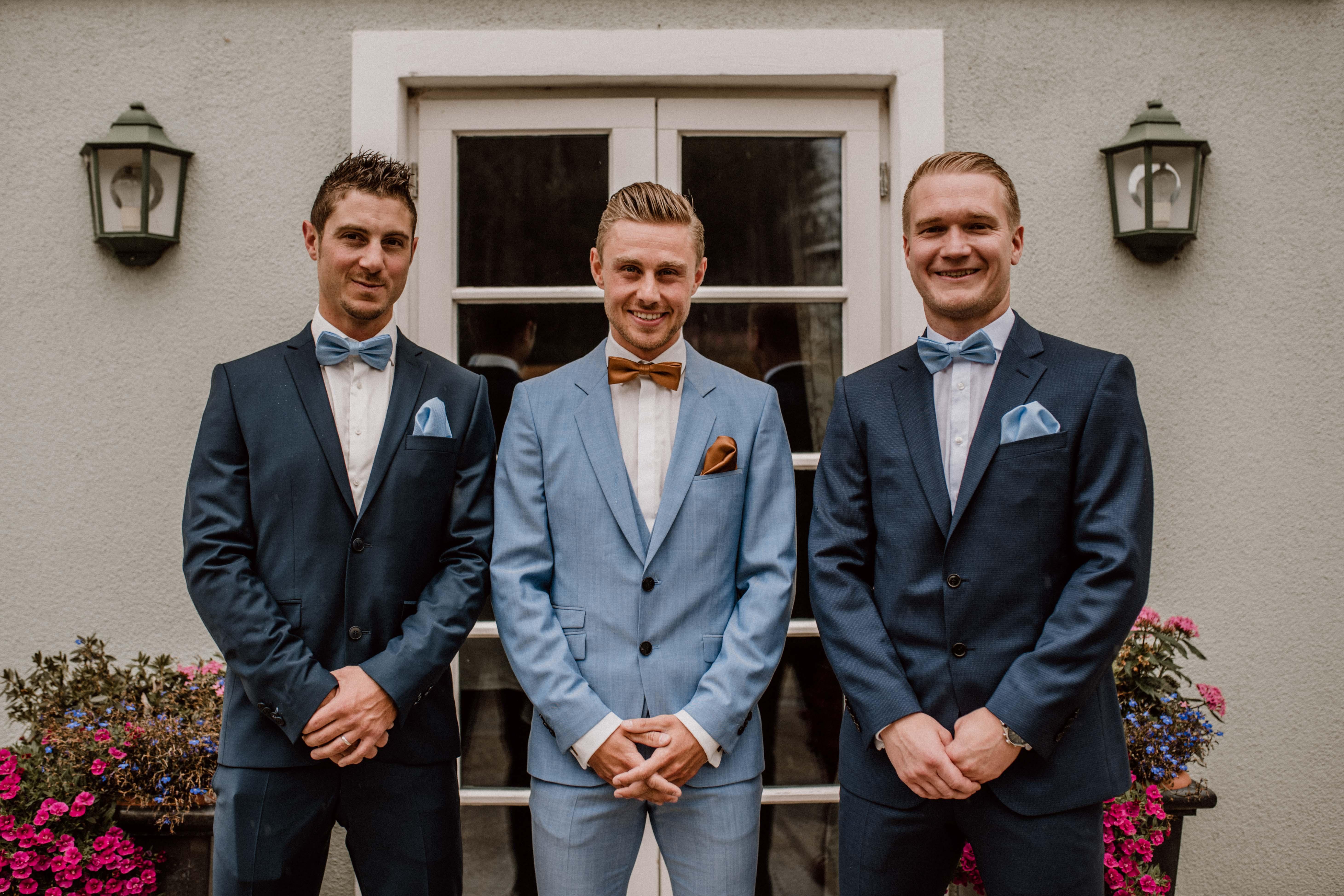 groomsmen stylisch sonja poehlmann photography couples muenchen bayern