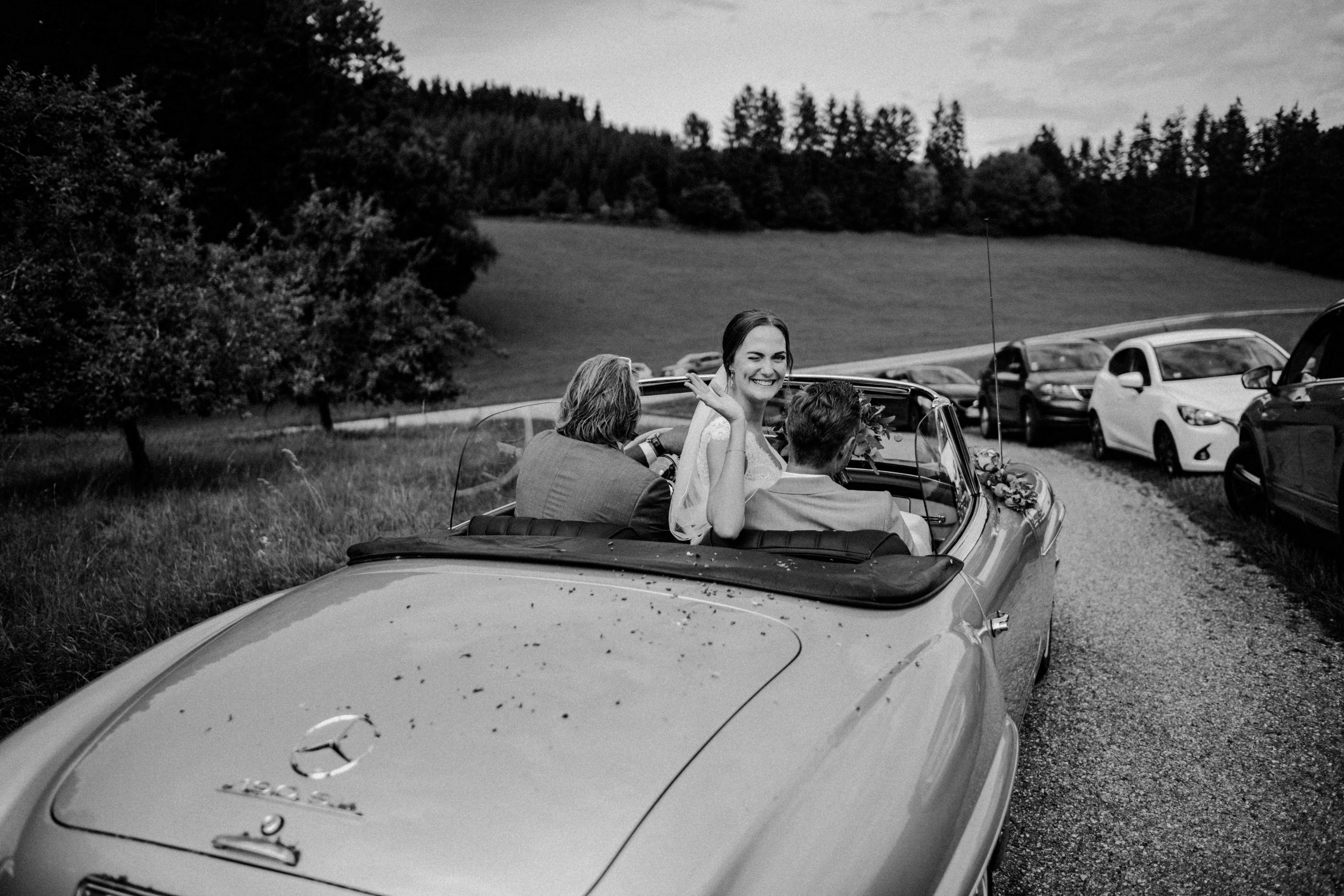 cabriolet mercedesstern sonja poehlmann photography couples muenchen bayern