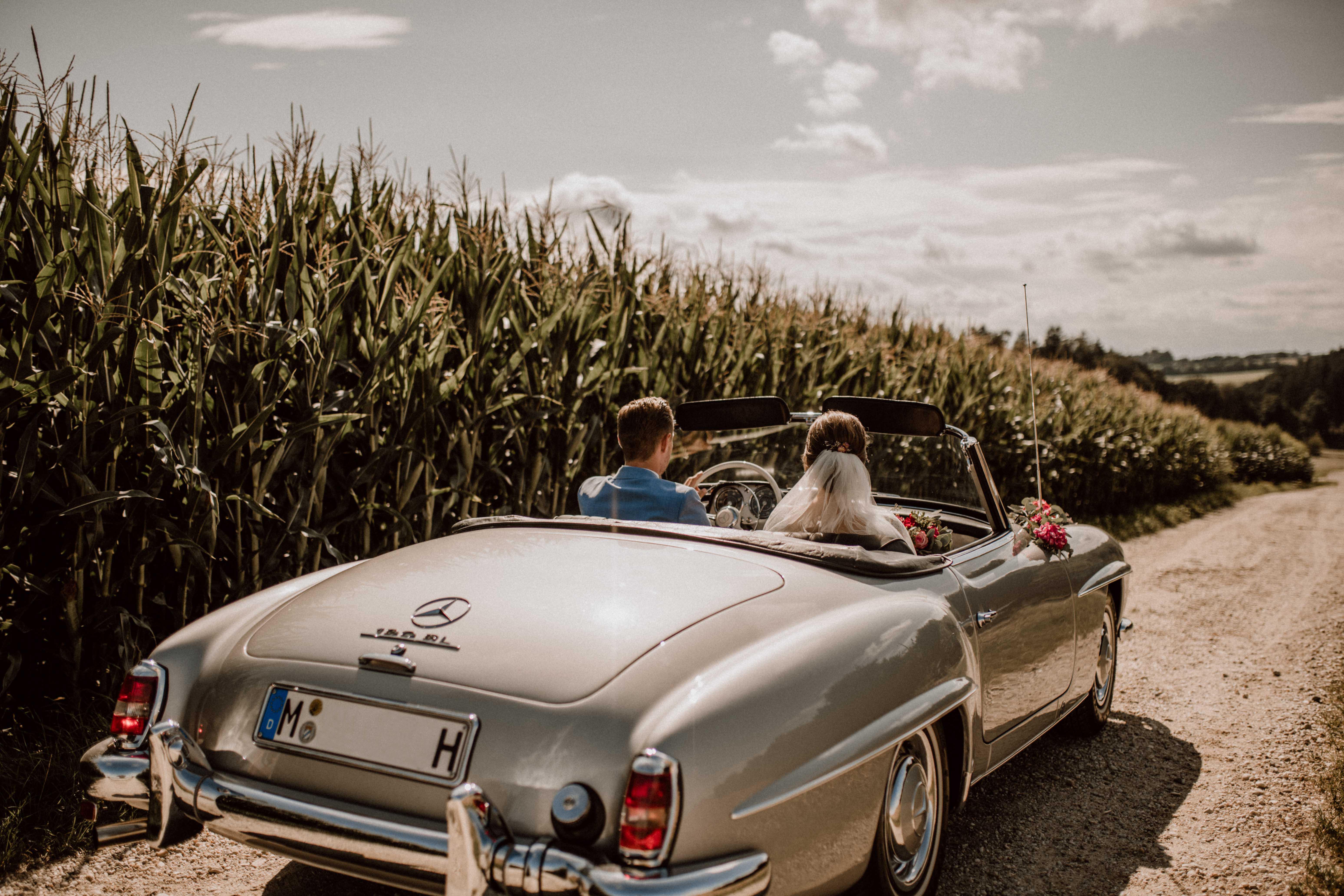 abenteuer feldweg sonja poehlmann photography couples muenchen bayern