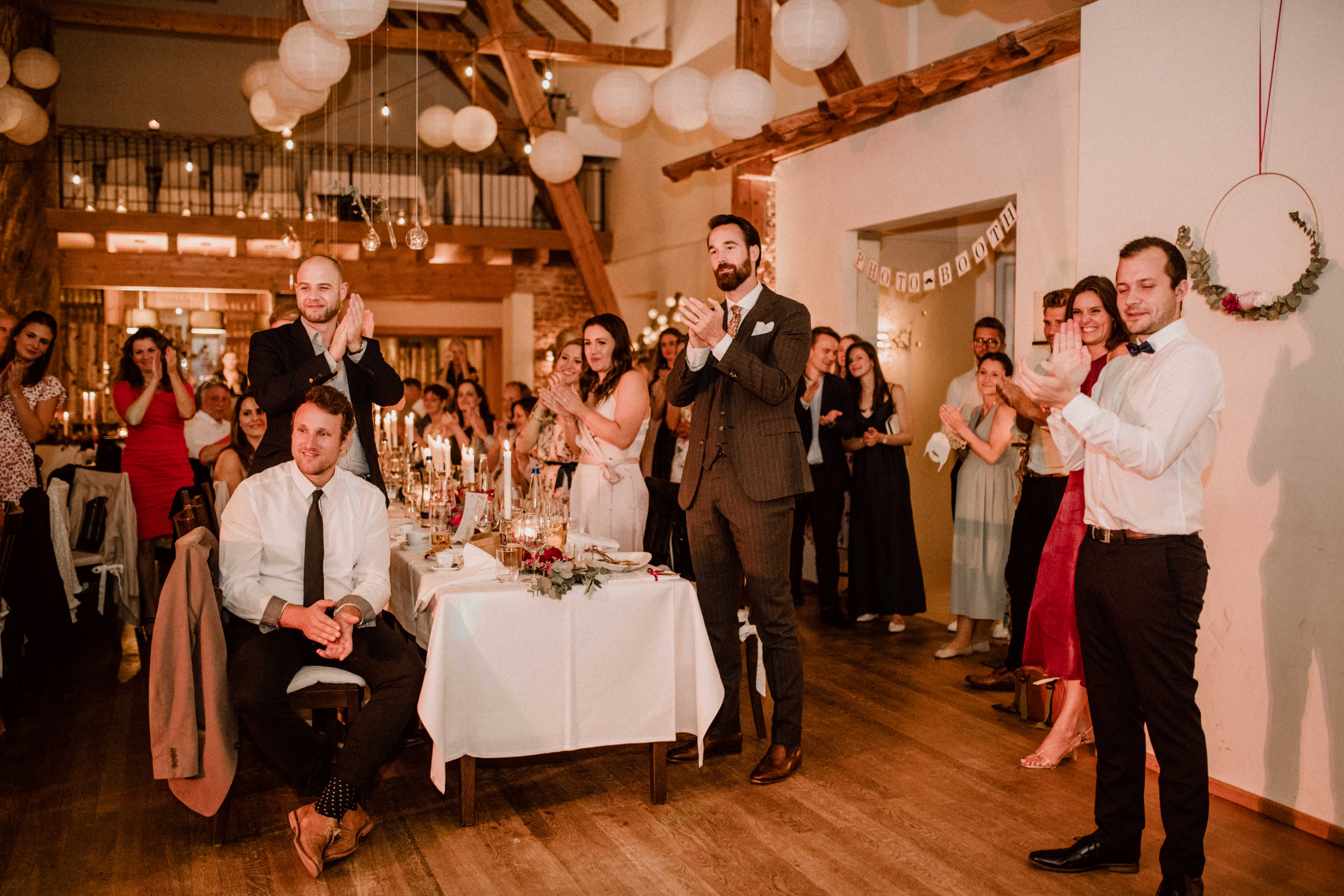 standing ovations sonja poehlmann photography wedding muenchen bayern