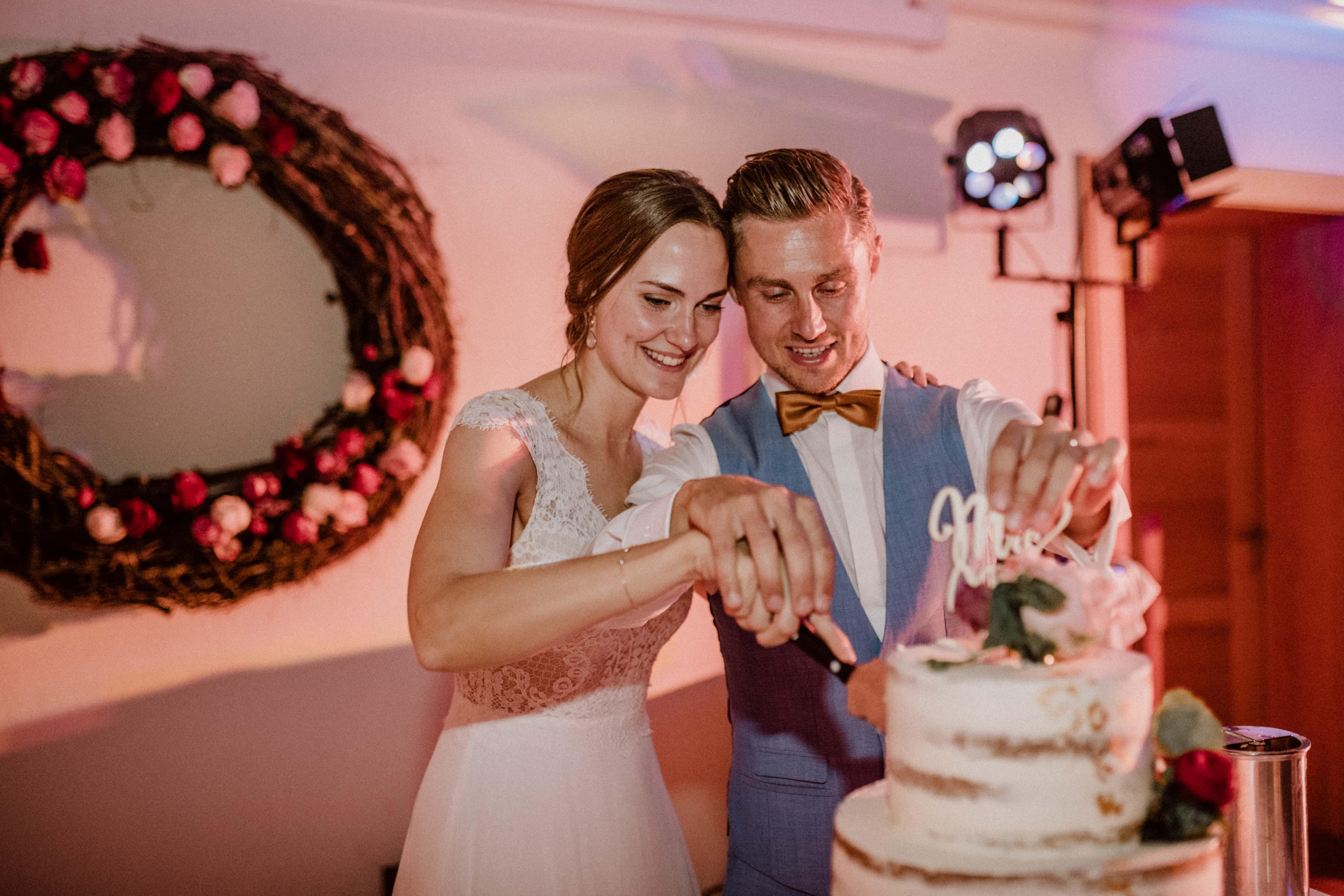 hochzeitstorte naked cake sonja poehlmann photography wedding muenchen bayern